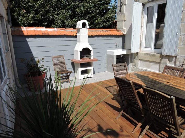 Location de vacances - Villa à Rochefort - terrasse , barbecue