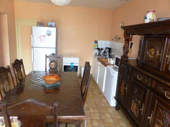 Location de vacances - Gîte à Louvigné-du-Désert - Cuisine avec Gazinière, Lave-vaisselle Frigo/Congél