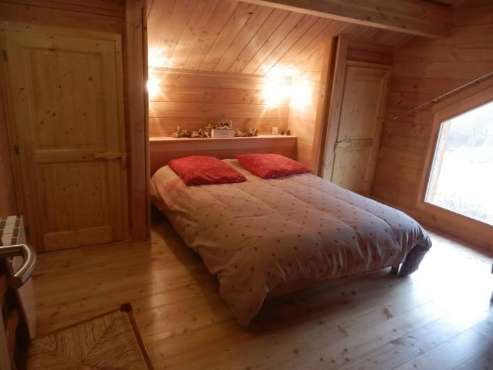 Location de vacances - Chalet à Saint-Jean-Saint-Nicolas - Chambre 3 à l'étage