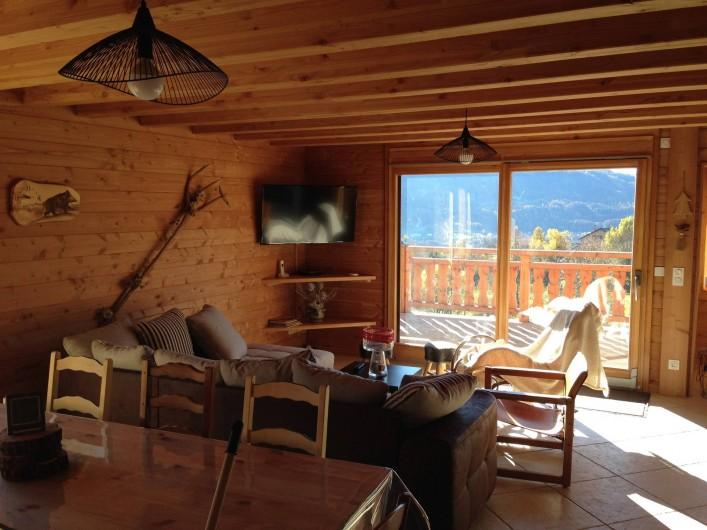 Location de vacances - Chalet à Saint-Jean-Saint-Nicolas - Le soleil baigne le chalet