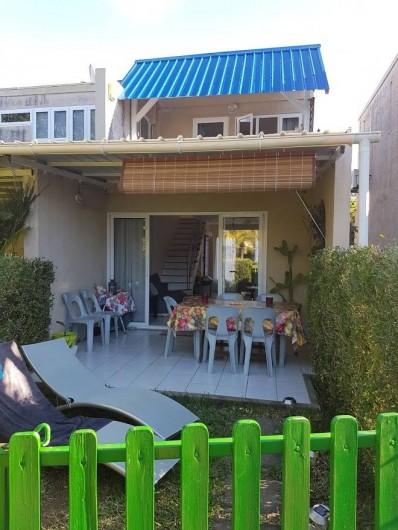 Location de vacances - Maison - Villa à Grand Baie - Vue de la maison depuis jardin