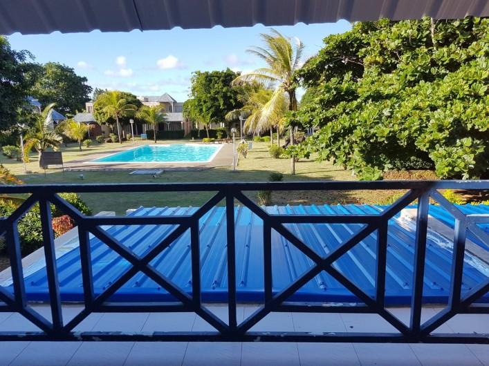 Location de vacances - Maison - Villa à Grand Baie - Vue du balcon-accès par les 2 chambres