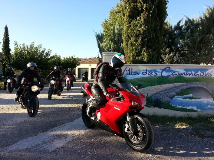 Location de vacances - Chambre d'hôtes à Vacquières - Randonnée motards