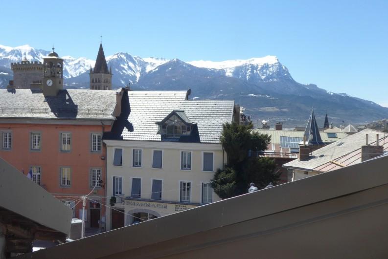 Location de vacances - Appartement à Embrun - Vue depuis le séjour