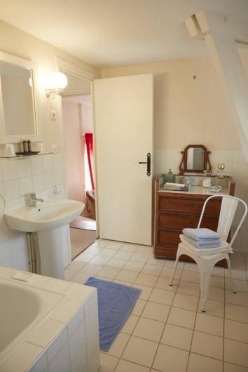 Location de vacances - Chambre d'hôtes à Beaune - Salle de bain des Bressandes