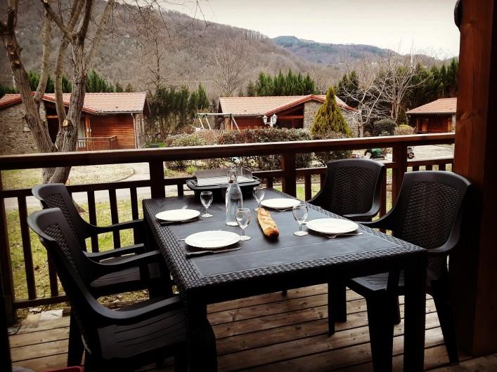 Location de vacances - Chalet à Mercus-Garrabet - vue d'une terrasse