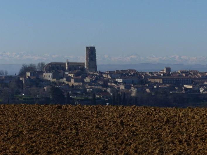 Location de vacances - Gîte à Lectoure - Lectoure et les Pyrénées en hiver