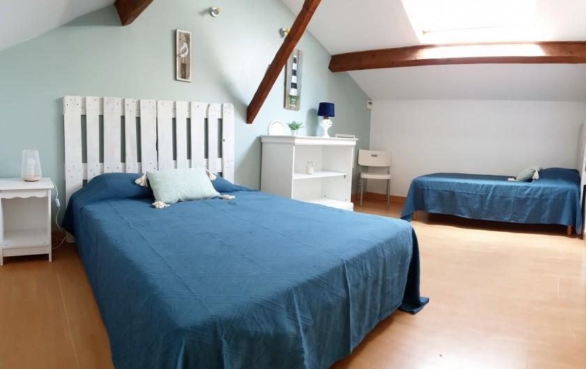 Location de vacances - Gîte à Arles - Chambre 3 personnes 1 lit 140cm, 1 lit 90cm