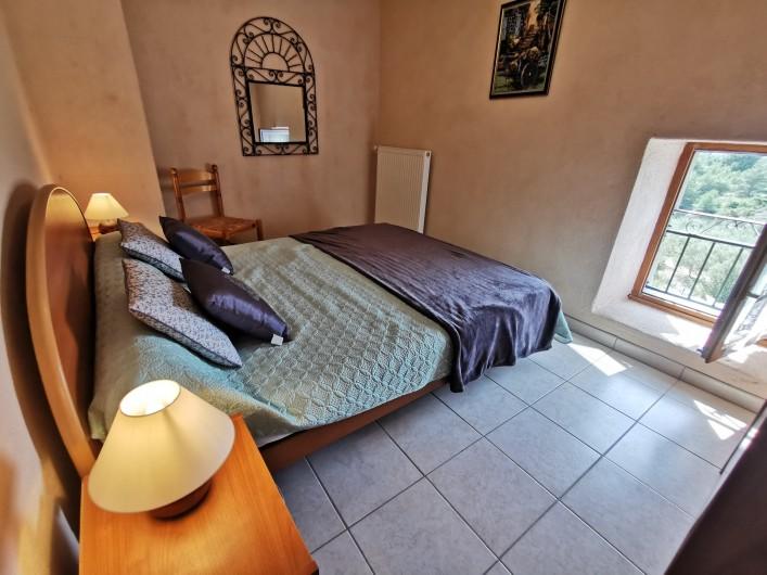Location de vacances - Gîte à La Livinière - chambre 1 Les Pins
