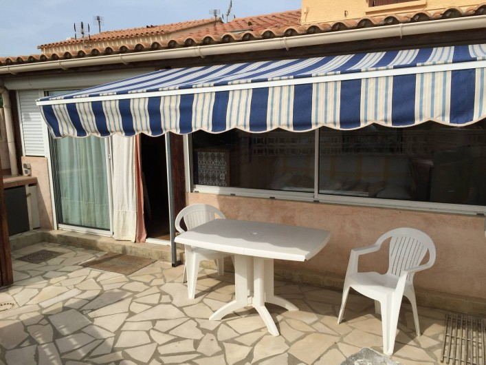 Location de vacances - Villa à Le Barcarès - Terrasse et véranda