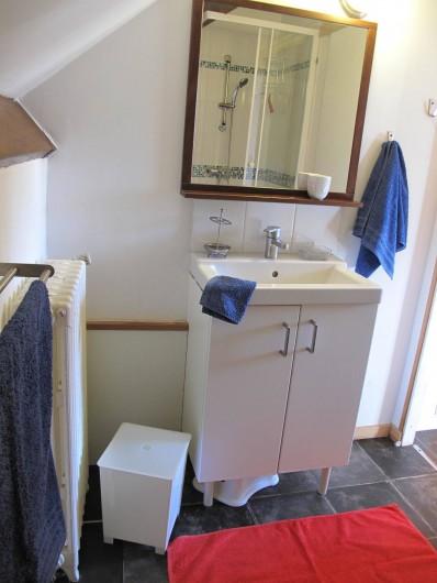 Location de vacances - Studio à Bagnères-de-Bigorre - Salle de bain