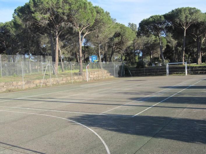 Location de vacances - Studio à Saint-Raphaël - terrain multi-sport