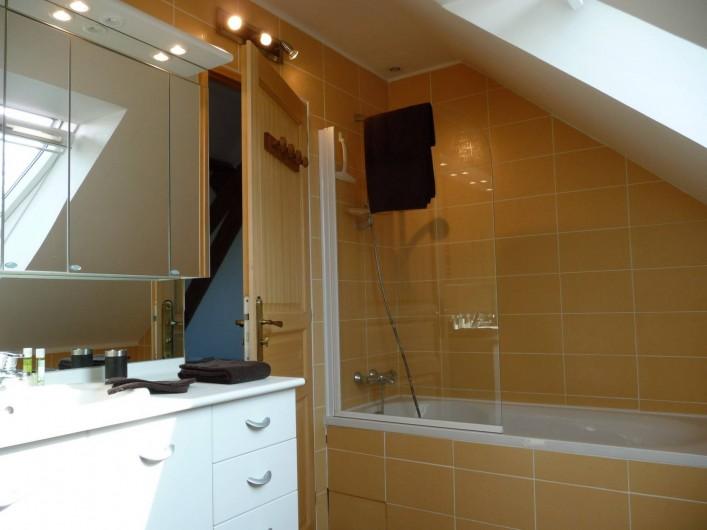 Location de vacances - Gîte à Mons-Boubert - Salle de bain