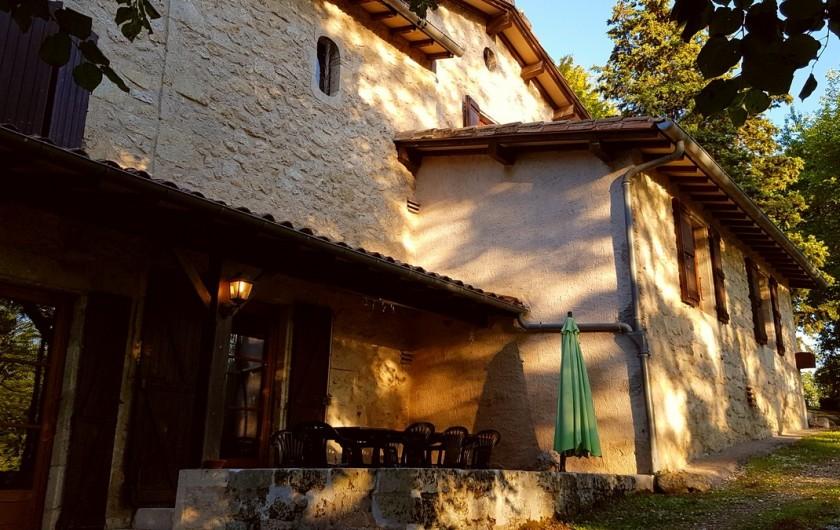 Location de vacances - Villa à Marsolan - La terrasse à l'heure de l'apéro du soir