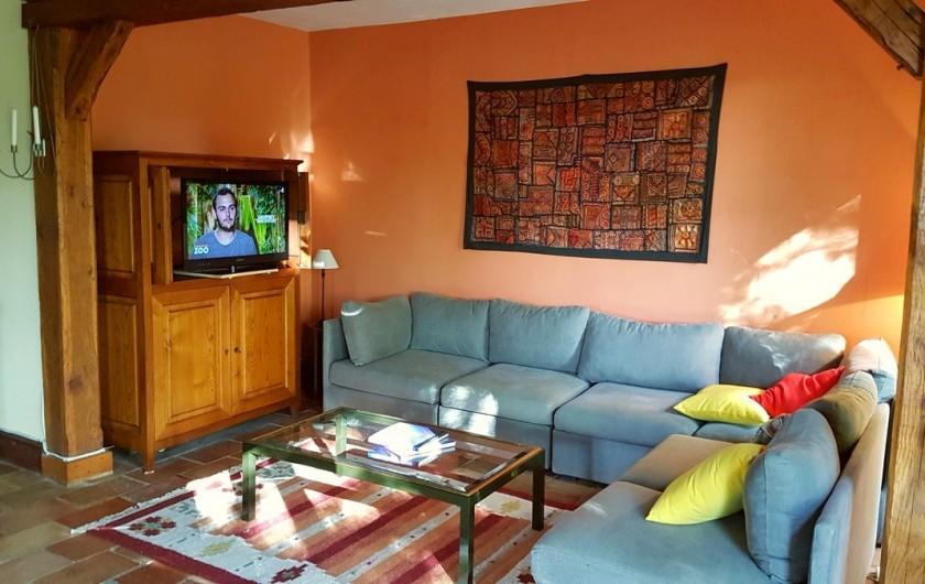 Location de vacances - Villa à Marsolan - Le coin TV dans le living