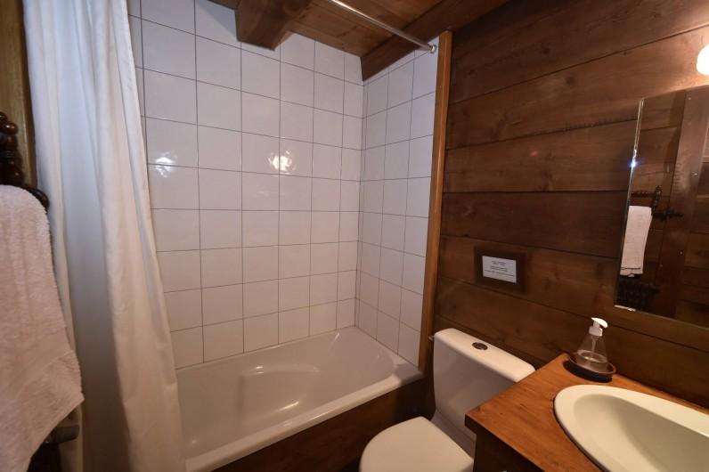 Location de vacances - Chalet à Chamonix-Mont-Blanc - Salle de bains 1/3