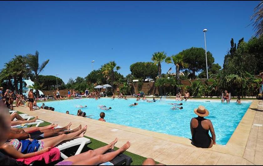 Location de vacances - Camping à Le Barcarès - Notre piscine de 10/20m sera parfaite pour se rafraîchir !