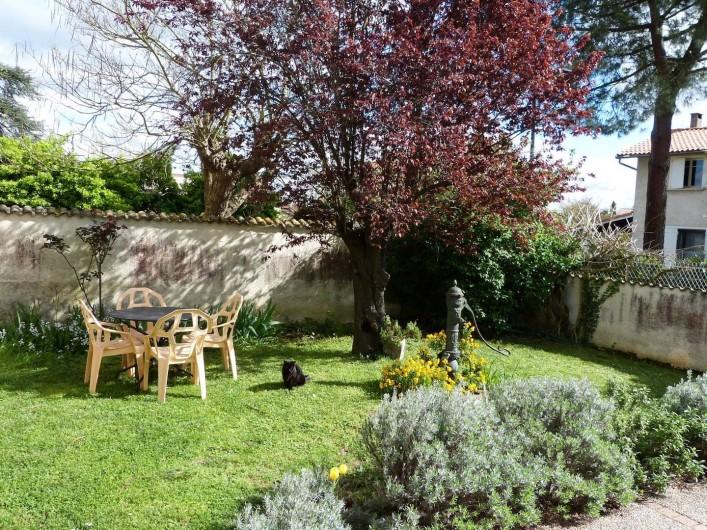 Location de vacances - Appartement à Toulouse - Jardin privatif