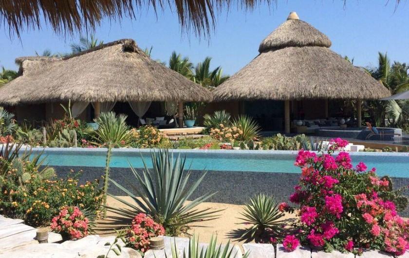 Location de vacances - Chambre d'hôtes à Puerto Escondido - Vue de la Master et du club de plage