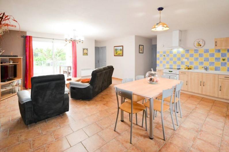 """Location de vacances - Villa à Saint-Martin-d'Ardèche - salon côté """" des gorges"""""""