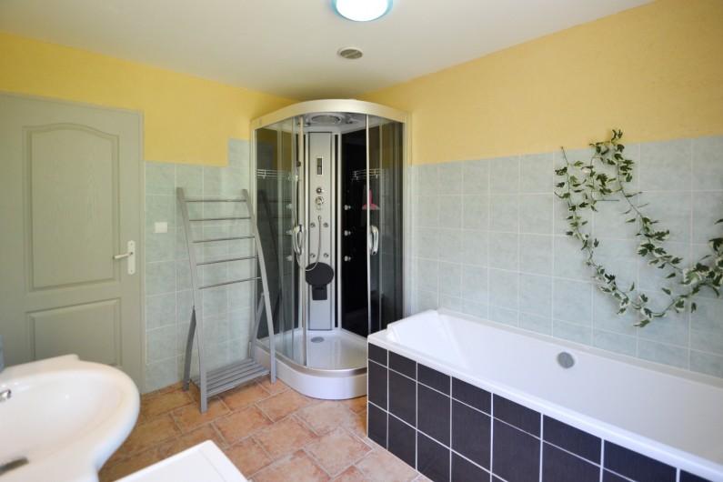 Location de vacances - Villa à Saint-Martin-d'Ardèche - 1 salle de bains