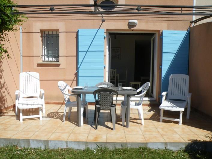Location de vacances - Villa à Homps - Terrasse orientée sud