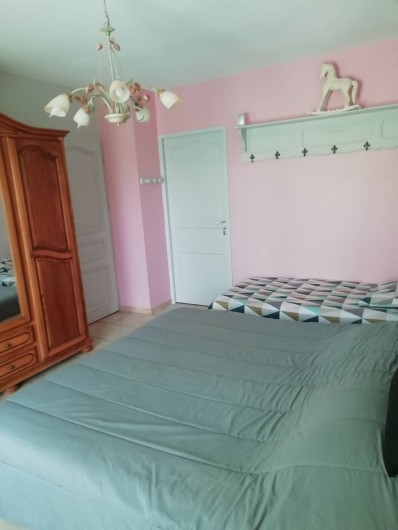 Location de vacances - Villa à Saint-Laurent-d'Aigouze - 1ere chambre du rez de chaussée 3 couchages