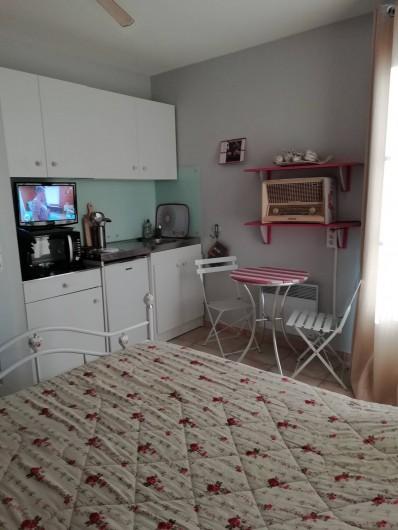Location de vacances - Villa à Saint-Laurent-d'Aigouze - 3e chambre 1er étage (2 couchages)+ coin studette avec balcon