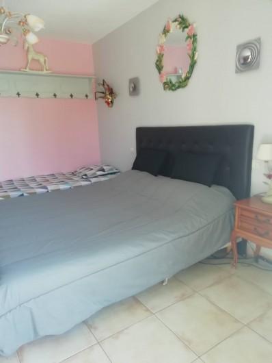 Location de vacances - Villa à Saint-Laurent-d'Aigouze - 1ere chambre rez de chaussée (3 couchages)