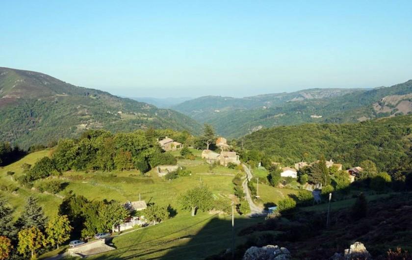 Location de vacances - Camping à Saint-Julien-du-Gua - Au cœur des monts d'Ardèche, le site du camping « Le Folastère ».