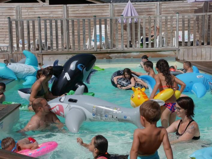 Location de vacances - Camping à Surgères - Animation enfant : les jeux d'eau...