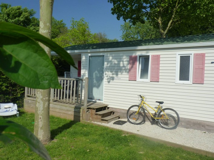 Location de vacances - Camping à Surgères - Mobil home Pacifique, 5/6 pers. 2 chambres