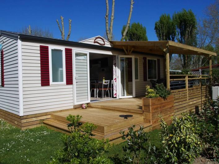 Location de vacances - Camping à Surgères - Mobil home Fidji, 6/8 pers. 3 chambres