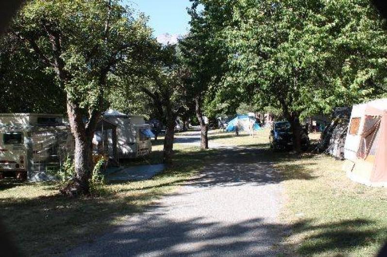 Camping le villard guillestre avec piscine et tennis for Camping alpes hautes provence avec piscine