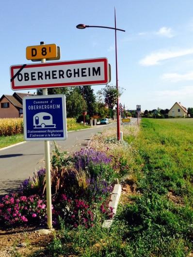 Location de vacances - Appartement à Oberhergheim - L'entrée du village