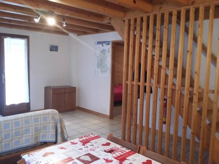 Location de vacances - Chalet à Lescheraines - salon