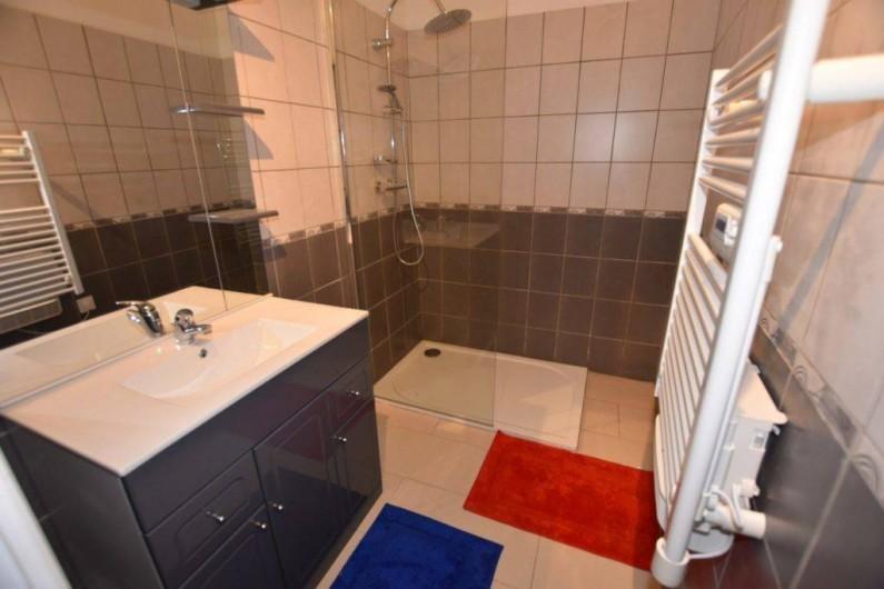 Location de vacances - Chambre d'hôtes à Lalinde - La salle de bain du Gîte