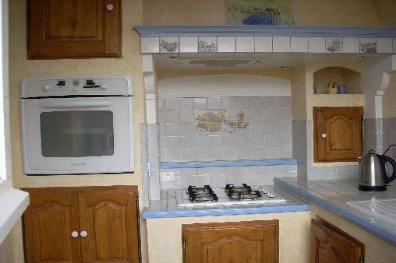 Location de vacances - Villa à Aubenas - arrière cuisine