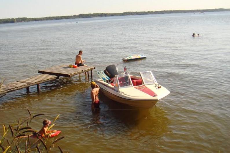 Location de vacances - Chalet à Parentis-en-Born - appontage bateau