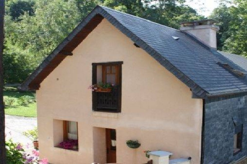 Location de vacances - Gîte à Bagnères-de-Bigorre - Vue de l'entrée du meublé