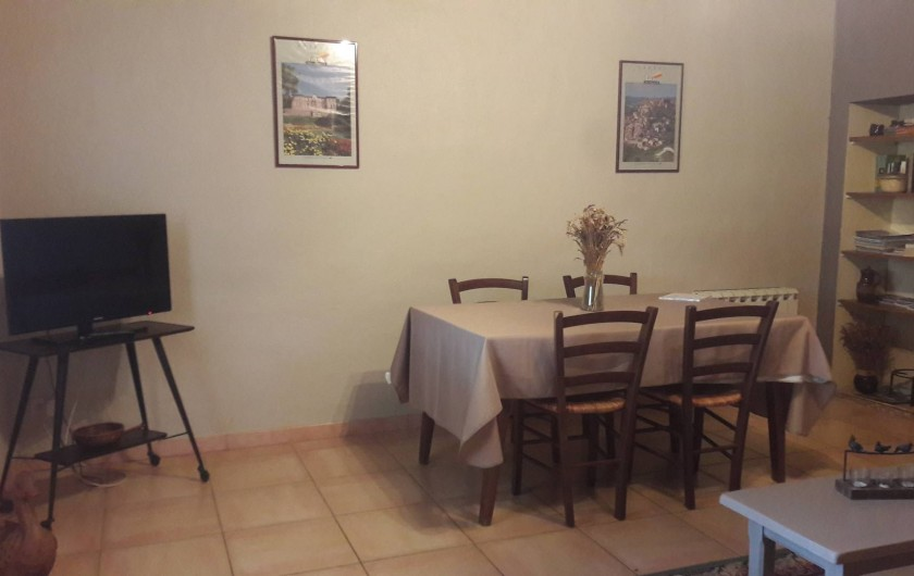 Location de vacances - Gîte à Lisle-sur-Tarn - salon-salle a manger