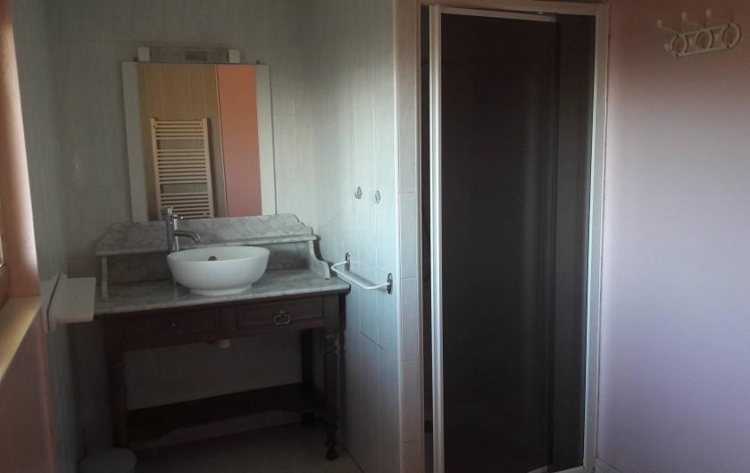 Location de vacances - Gîte à Lisle-sur-Tarn - salle d'eau