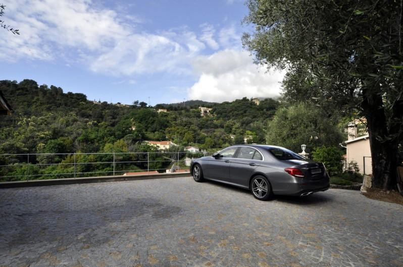 Location de vacances - Villa à Menton - Parking pour 3 voitures
