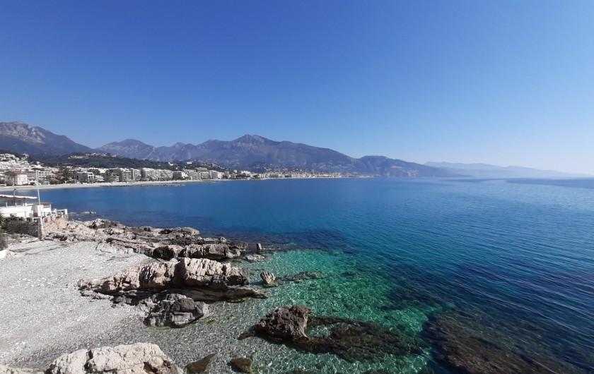 Location de vacances - Villa à Menton - La baie de Roquebrune Cap Martin et Menton