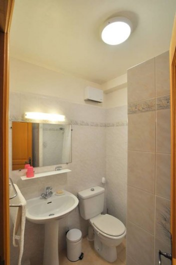 Location de vacances - Villa à Menton - Salle de douche