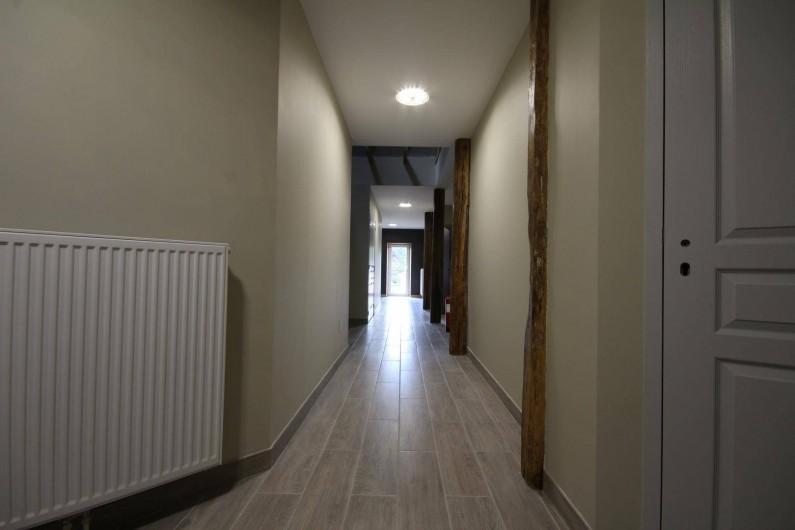 Location de vacances - Gîte à Châtillon-en-Bazois - Couloir accès étage