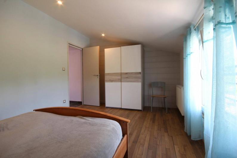Location de vacances - Gîte à Châtillon-en-Bazois - chambre parentale de l'appartement 3