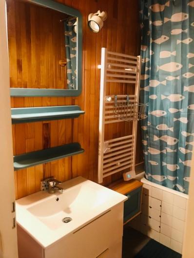 Location de vacances - Appartement à Les Claux - Salle de bain
