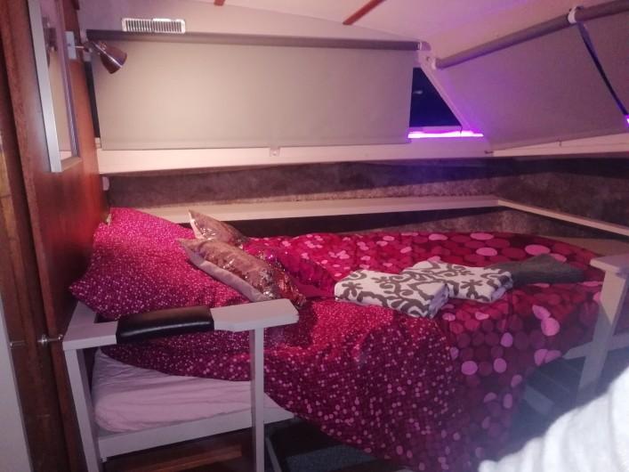 Location de vacances - Bateau à Le Cap d'Agde - La chambre