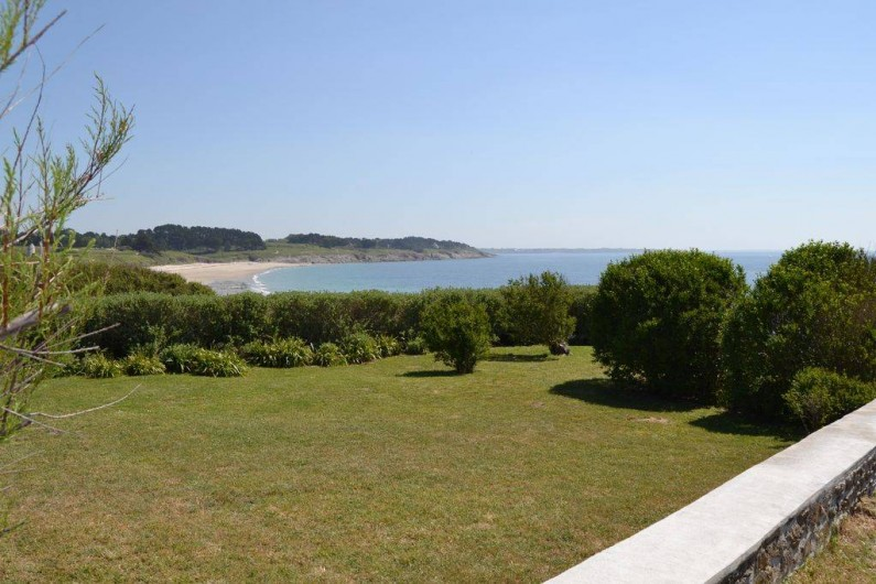 Location de vacances - Villa à Névez - Jardin avec vue sur plage de Tahïti